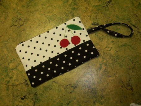 cherry-pouch